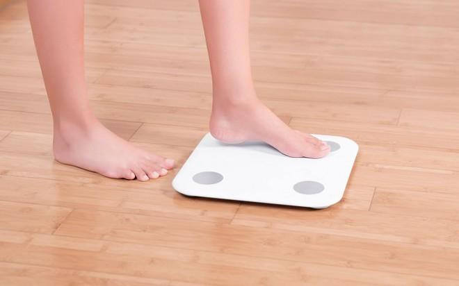 Xiaomi giới thiệu cân Mi Body Composition Scale giúp đo lường các chỉ số cơ thể - Ảnh 1.