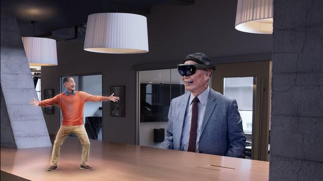 Dường như HoloLens cũng đã bắt đầu có nhiều đất diễn hơn để cạnh tranh với các đối thủ khác trong lĩnh vực VR và AR.