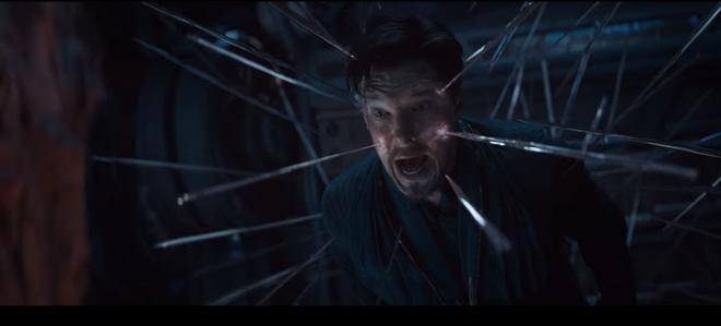 Một phân cảnh nhỏ cho thấy Bác sĩ Trang đang kêu gào đau đớn bởi kỹ năng khống chế của một kẻ nào đó. Ai lại đủ quyền năng để khống chế được bậc phù thủy tài ba này chứ?