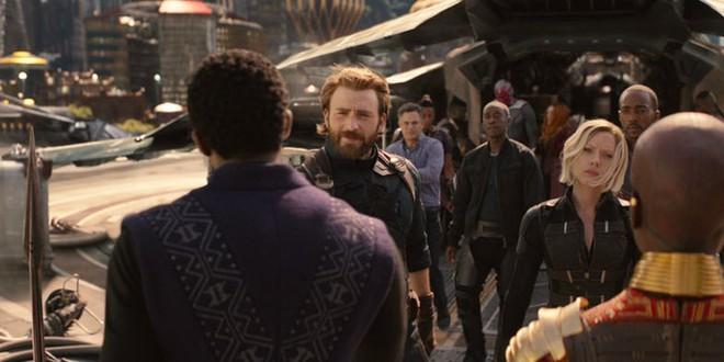 Chi tiết trong trailer tiết lộ Captian American cùng các anh em đã đặt chân đến vương quốc Wakanda, điều gì đã mang họ tới đây ?