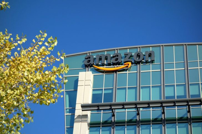 Amazon chính thức vượt mặt Alphabet (Google) để trở thành công ty có giá trị thị trường lớn thứ 2 thế giới.