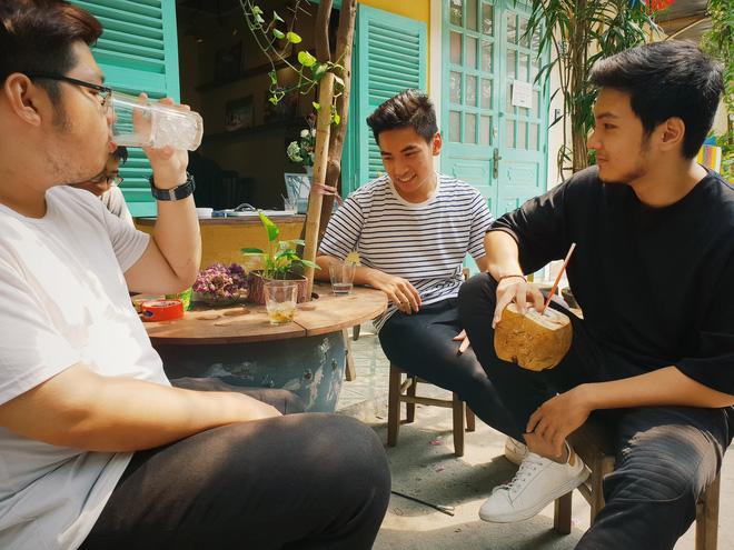 Cà phê trò chuyện cuối tuần là lựa chọn tối ưu đem lại sự thoải mái và vui vẻ với những người bạn