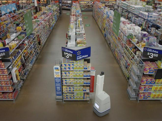 Chúng di chuyển khá chậm trong siêu thị với tốc độ chỉ từ 3 - 5 km/h