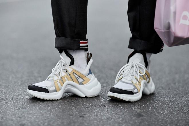 Phỏng vấn chủ nhân trang Instagram đanh đá nhất nhì làng thời trang thế giới: Sneakers càng hype, chê bai càng thậm tệ - Ảnh 7.