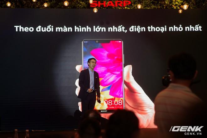 Sharp Aquos S3 chính thức ra mắt: thiết kế tai thỏ, có Face ID, áp dụng cả công nghệ chống va đập của siêu xe, giá 8.990.000 đồng - Ảnh 2.
