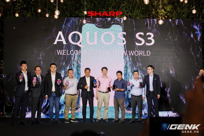 Sharp Aquos S3 chính thức ra mắt: thiết kế tai thỏ, có Face ID, áp dụng cả công nghệ chống va đập của siêu xe, giá 8.990.000 đồng - Ảnh 17.