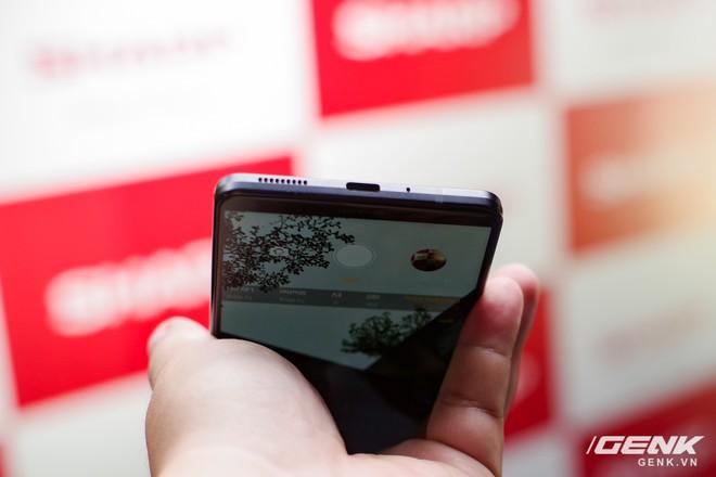 Sharp Aquos S3 chính thức ra mắt: thiết kế tai thỏ, có Face ID, áp dụng cả công nghệ chống va đập của siêu xe, giá 8.990.000 đồng - Ảnh 21.