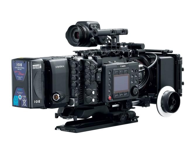 EOS C700 FF có thể quay video 5,9K 60 fps định dạng RAW với phụ kiện gắn sau máy