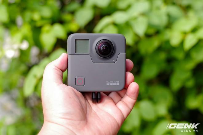 Sau hai ngày ra mắt tại Mỹ, GoPro Hero và GoPro Fusion cũng chính thức ra mắt tại Việt Nam, giá lần lượt 5,2 và 18 triệu đồng - Ảnh 1.