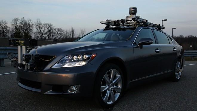 Toyota chi 2,8 tỷ USD, thuê 1.000 lập trình viên trên toàn cầu để phát triển công nghệ tự lái, sẵn sàng thách thức Tesla - Ảnh 1.