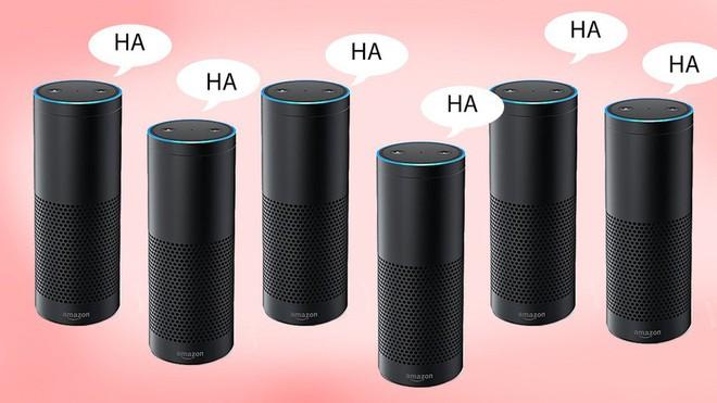 Amazon tiết lộ lý do tại sao trợ lý ảo Alexa tự cười ghê rợn trong đêm - Ảnh 1.