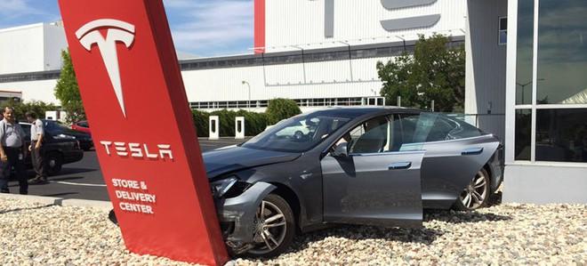 Hai số phận của Tesla và SpaceX: Khi làm ô tô chạy điện còn khó hơn cả tên lửa vũ trụ tái sử dụng - Ảnh 4.