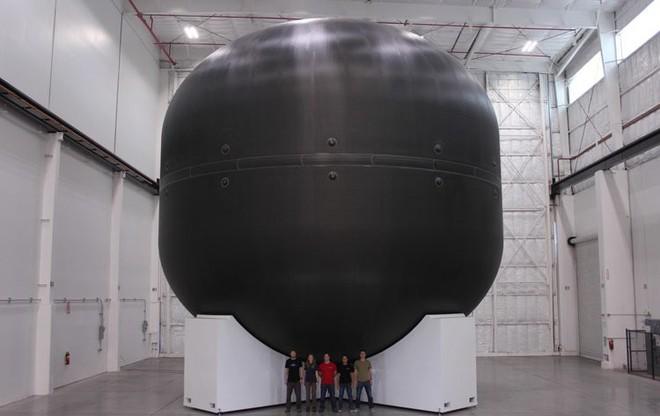 Elon Musk vừa tiết lộ một chi tiết khổng lồ, SpaceX sẽ sử dụng để chế tạo tên lửa lớn nhất và mạnh nhất lịch sử - Ảnh 3.