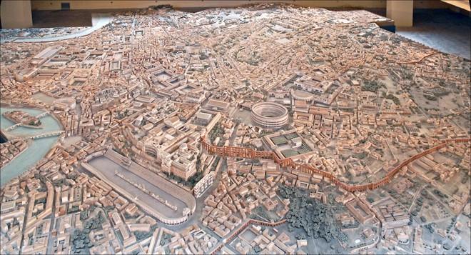 Chiêm ngưỡng mô hình thành Rome cổ đại với tỷ lệ 1:250, mất tới 38 năm mới hoàn thành - Ảnh 1.