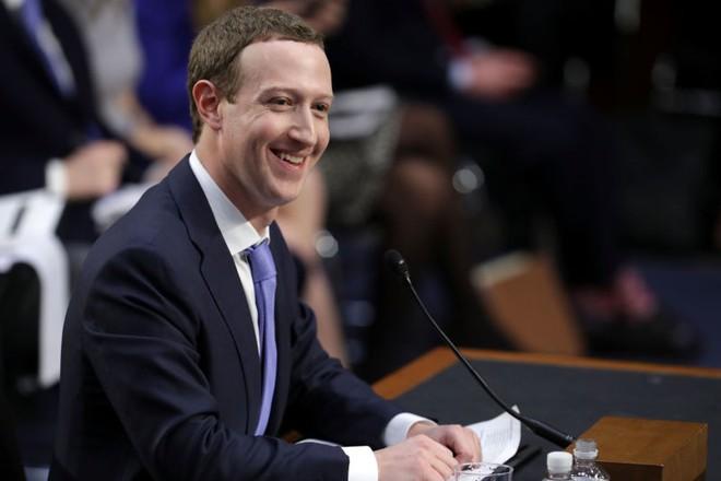 Facebook chạy quảng cáo, thượng nghị sĩ không biết điều đó sao?