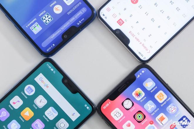 Huawei Nova 3E, Vivo V9 và Oppo F7 đều mang thiết kế màn hình tai thỏ, tức là màn hình bị khoét một góc ở trên để dành cho camera selfie, loa thoại và cảm biến