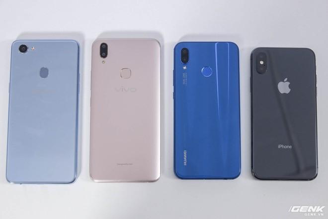 Mặc dù có công nghệ nhận dạng khuôn mặt, tuy nhiên cả ba smartphone Android đều có cảm biến vân tay ở mặt lưng