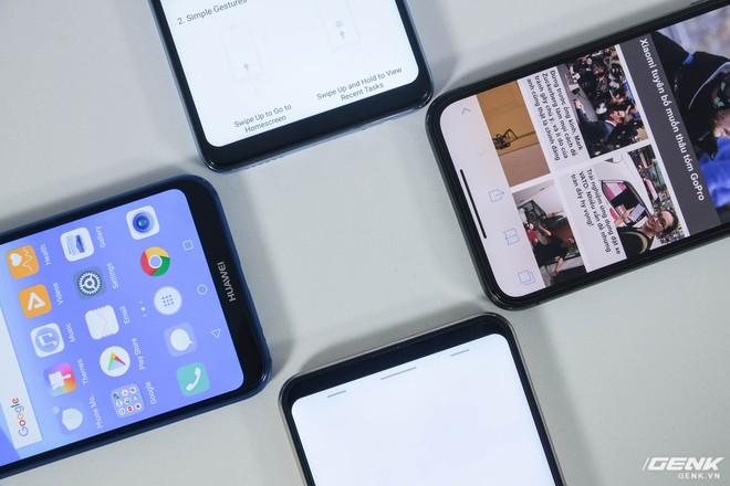 Do không còn phím Home vật lý, các hãng phải tìm một biện pháp điều hướng mới. iPhone X sử dụng thao tác cử chỉ, Oppo F7 và Vivo V9 cho phép người dùng chọn giữa cử chỉ và nút ảo, còn Huawei Nova 3E chỉ có nút ảo
