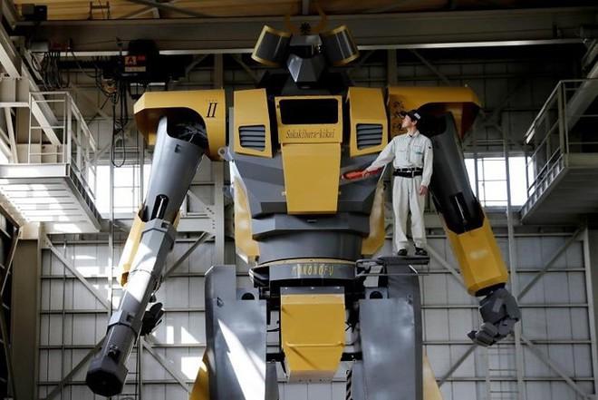 Kỹ sư Nhật biến giấc mơ Gundam khổng lồ thành hiện thực, cho thuê kiếm lời với giá 21 triệu/giờ - Ảnh 1.
