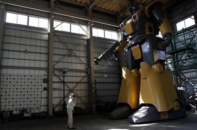 Kỹ sư Nhật biến giấc mơ Gundam khổng lồ thành hiện thực, cho thuê kiếm lời với giá 21 triệu/giờ - Ảnh 8.