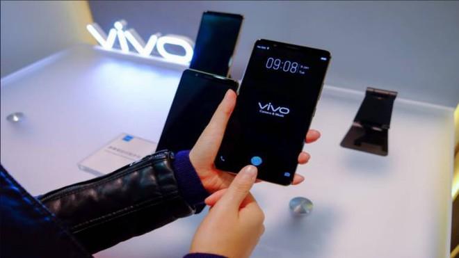 Oppo cũng chính thức theo đuổi công nghệ cảm biến vân tay tích hợp dưới màn hình với bằng sáng chế mới nhất - Ảnh 1.