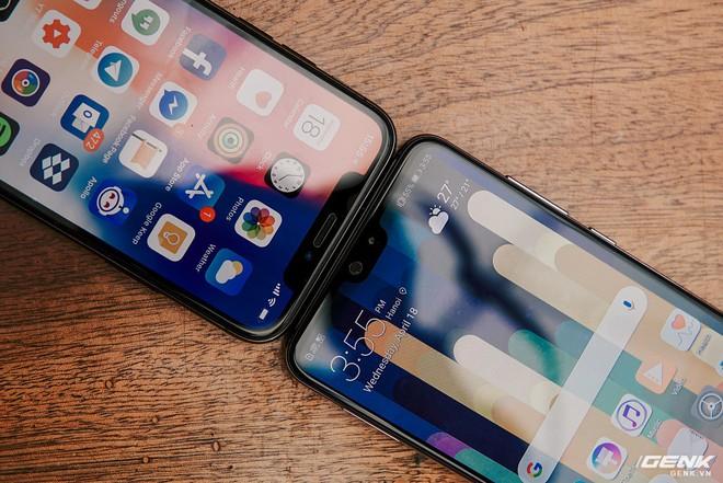 So găng thiết kế Huawei P20 Pro, Galaxy S9+ và iPhone X: theo bạn đâu là smartphone đẹp nhất? - Ảnh 4.