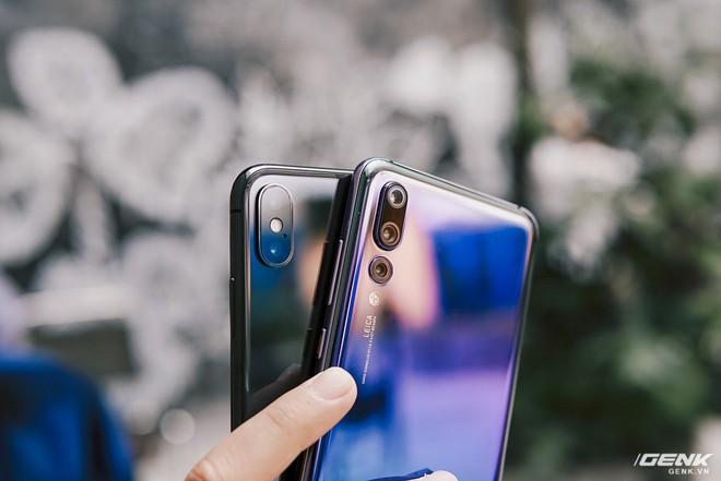 So găng thiết kế Huawei P20 Pro, Galaxy S9+ và iPhone X: theo bạn đâu là smartphone đẹp nhất? - Ảnh 7.