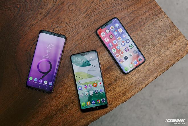 So găng thiết kế Huawei P20 Pro, Galaxy S9+ và iPhone X: theo bạn đâu là smartphone đẹp nhất? - Ảnh 1.