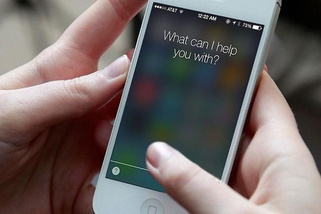 Siri đang tỏ ra yếu thế hơn so với Alexa của Amazon và Google Assistant của Google.