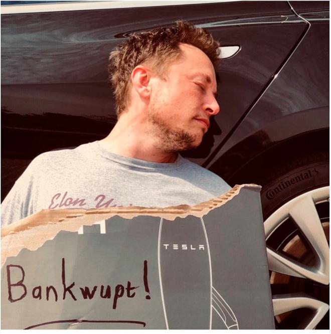 Phá soản!  (Musk cố tình viết sai chữ Phá sản!