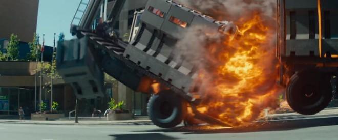 Không chỉ lầy lội, trailer cuối cùng của Deadpool 2 còn hoành tráng ác liệt - Ảnh 4.