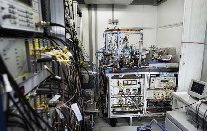 Không phải đồng hồ nguyên tử, đồng hồ hạt nhân mới là công cụ đo đạc thời gian chính xác nhất của tương lai - Ảnh 5.