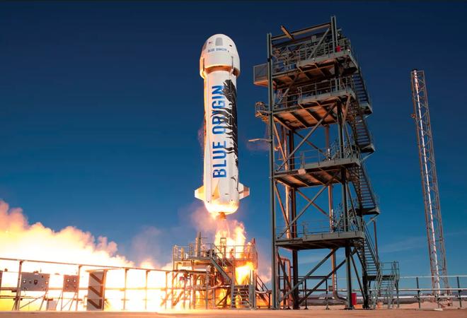 Công ty hàng không vũ trụ Blue Origin của Jeff Bezos có thể sẽ cho du khách tham quan thám hiểm không gian trong năm nay - Ảnh 1.