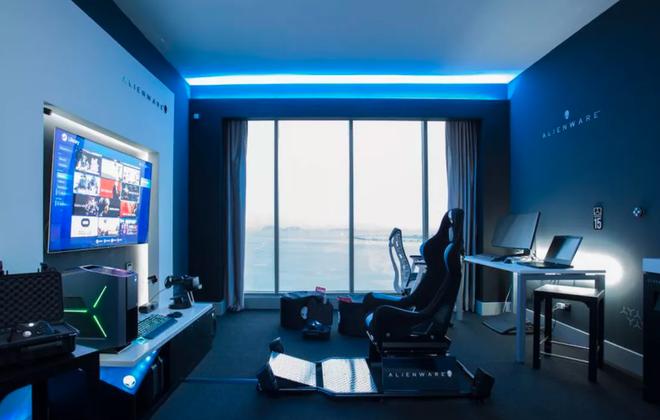 Thăm căn phòng toàn gear khủng của Alienware tại khách sạn Hilton Panama, giá thuê chỉ 349 USD/1 đêm - Ảnh 1.