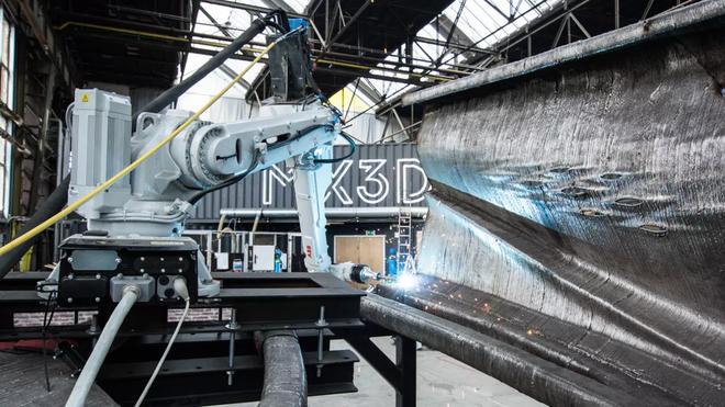 Đây là cầu kim loại in 3D đầu tiên trên thế giới, sử dụng 4,5 tấn thép, thi công 6 tháng mới hoàn thành - Ảnh 3.