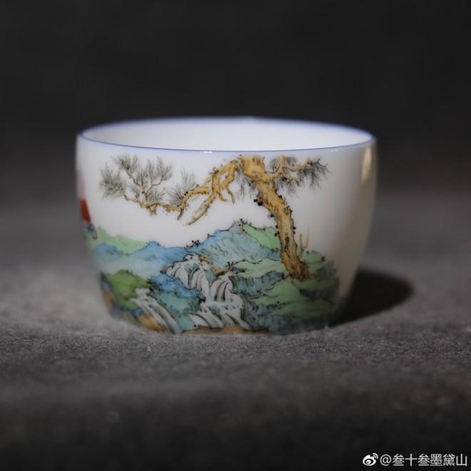 Internet Trung Quốc đang phát sốt vì loại cốc sứ nhà Thanh với hình vẽ hoạt hình của trẻ em Anh - Ảnh 3.