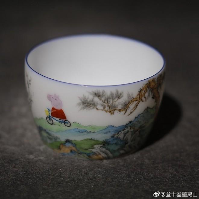 Internet Trung Quốc đang phát sốt vì loại cốc sứ nhà Thanh với hình vẽ hoạt hình của trẻ em Anh - Ảnh 4.