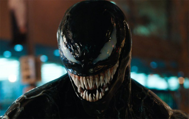 Giữa cơn bão Avengers, Sony hé lộ tạo hình không thể ngầu hơn của phản anh hùng Venom trong trailer mới nhất - Ảnh 2.