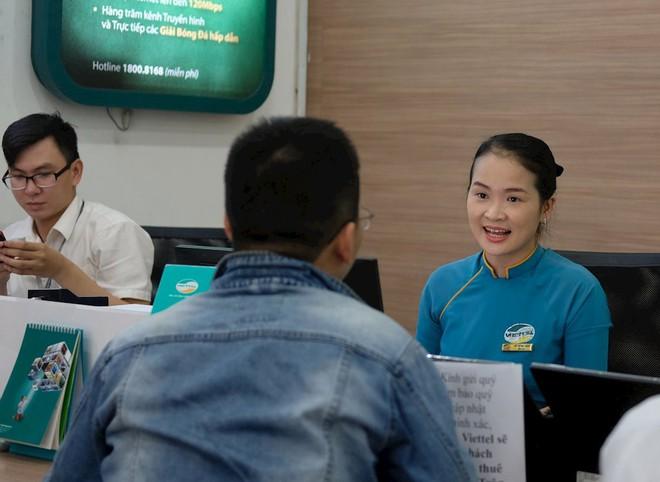 Hình ảnh người dân TP HCM chen lấn đi đăng ký thông tin trước giờ G - Ảnh 12.