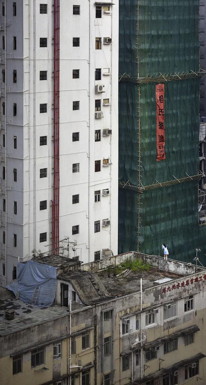[Ảnh] Concrete stories: Cuộc sống muôn màu trên những tầng thượng của Hồng Kông - Ảnh 9.