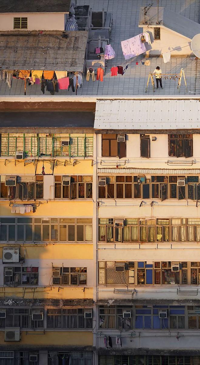 [Ảnh] Concrete stories: Cuộc sống muôn màu trên những tầng thượng của Hồng Kông - Ảnh 11.