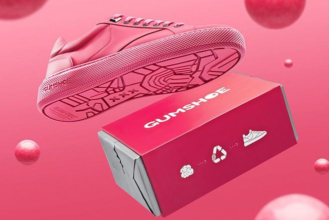 Amsterdam ra mắt mẫu sneakers với phần đế làm từ bã kẹo cao su tái chế - Ảnh 4.