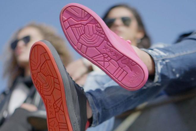 Amsterdam ra mắt mẫu sneakers với phần đế làm từ bã kẹo cao su tái chế - Ảnh 6.
