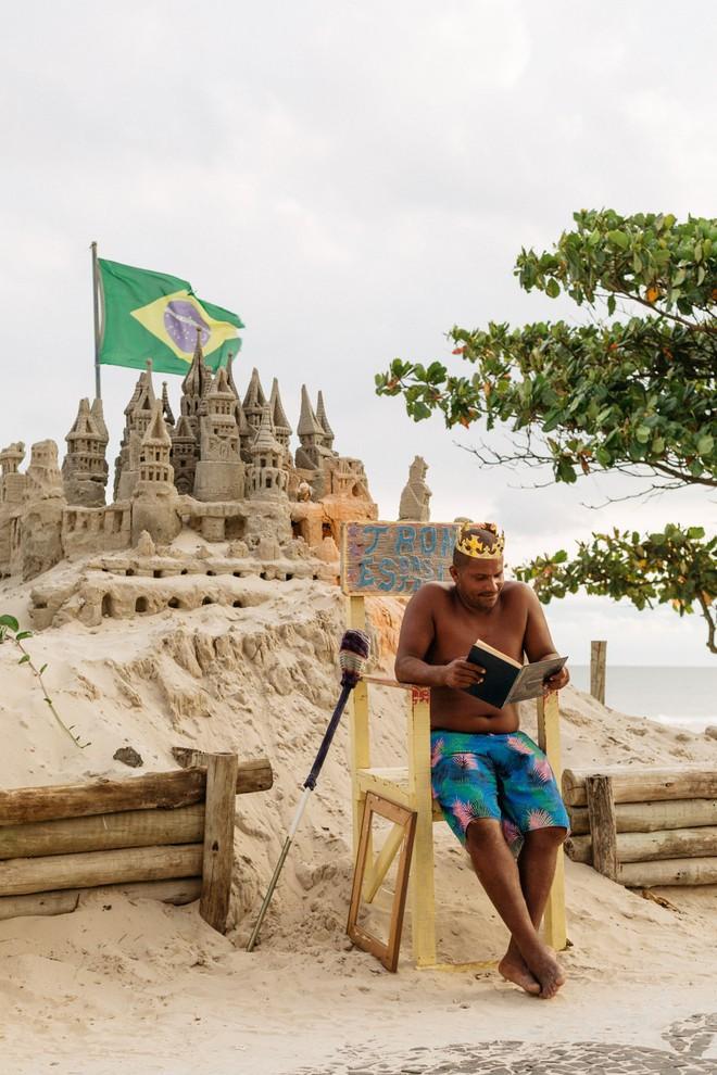 Xây lâu đài cát để làm nơi ở, người đàn ông tự xưng là nhà vua tránh được tiền thuê nhà suốt 22 năm - Ảnh 5.