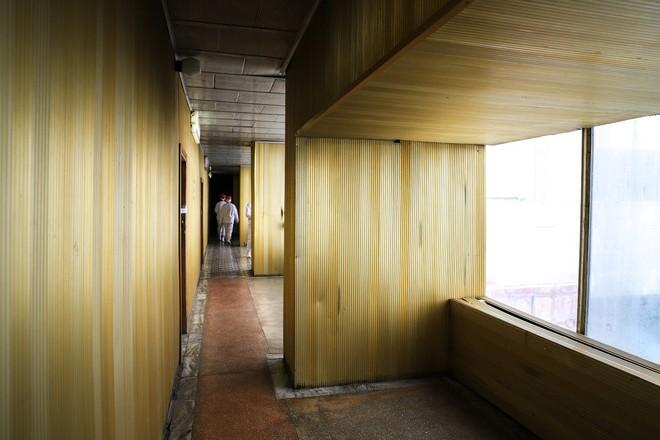 Lối xuống Hành Lang Vàng của Lò phản ứng số 2.