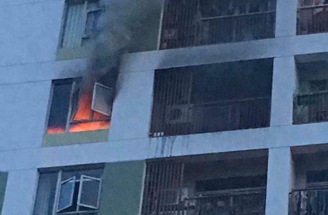 Từ vụ cháy chung cư gây ra bởi pin dự phòng, rút ra những bài học an toàn khi sử dụng - Ảnh 1.
