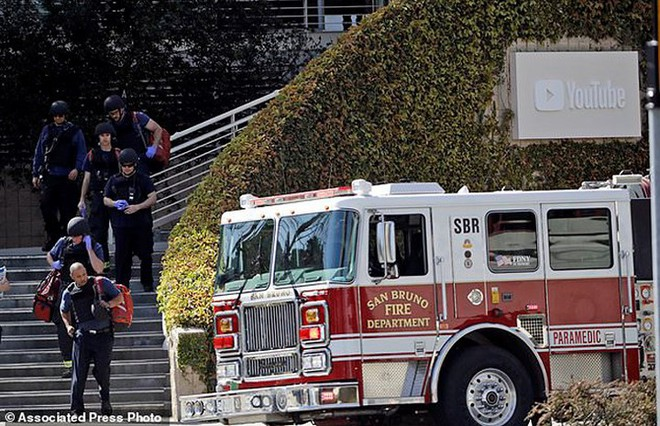 Ảnh: Hiện trường vụ nổ súng gây náo loạn trụ sở YouTube - Ảnh 2.