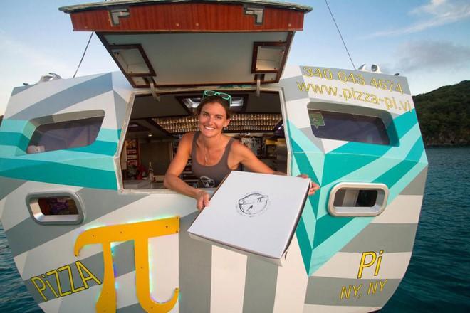 Từ bỏ sự nghiệp ở phố Wall, cặp vợ chồng mở nhà hàng pizza trên biển Caribbean và gặt hái nhiều thành công - Ảnh 5.