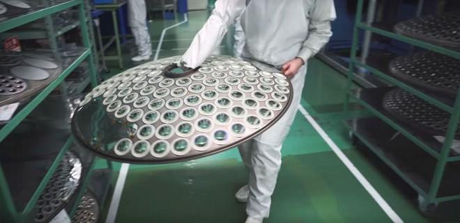 Bên trong nhà máy sản xuất những chiếc ống kính Art nổi tiếng của Sigma - Ảnh 7.