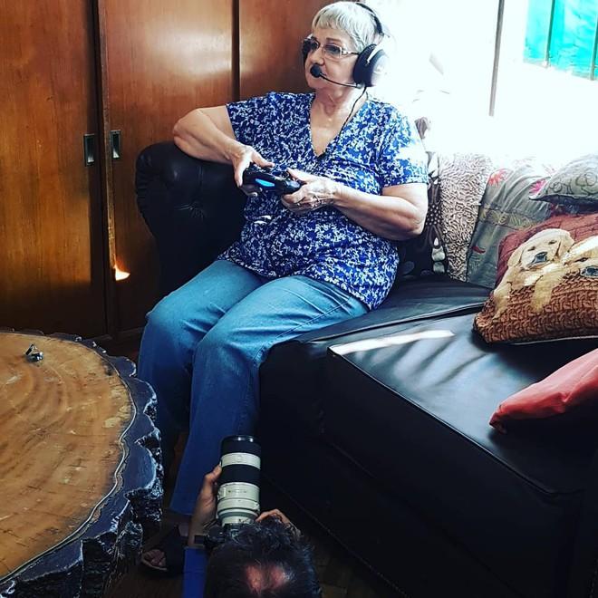 Cụ bà 82 tuổi trở thành gamer nổi tiếng sau khi được cháu trai chia sẻ câu chuyện của mình lên Internet - Ảnh 2.